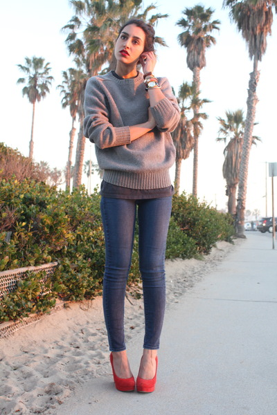 Dolce Vita pumps - Paige Denim jeans - vintage sweater - vintage t-shirt