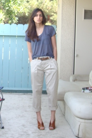 Express t-shirt - Express pants - moms belt - shoes