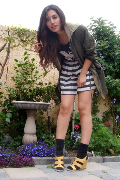 black thrifted t-shirt - gray Forever21 skirt - green vintage jacket - yellow Ni