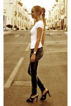 black karen millen heels - blue Bershka jeans - white Mango t-shirt