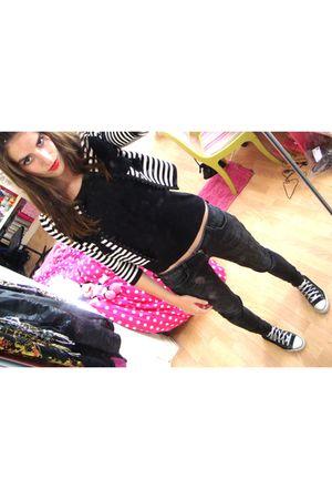 black H&M jeans - black H&M shirt - H&M cardigan - Converse shoes