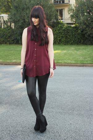 crimson Ally shirt - black leather Ally leggings - black betts wedges