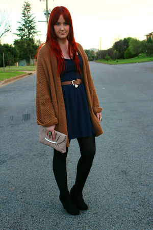 navy dress - beige clutch purse - black wedges - tawny Sportsgirl cardigan - cha