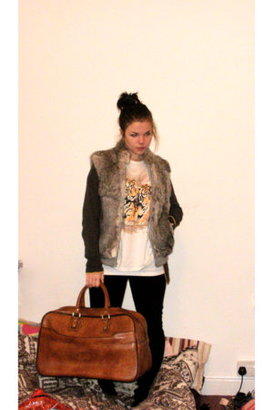 gray Topshop cardigan - white my mums t-shirt - black jeans - brown my dads bag