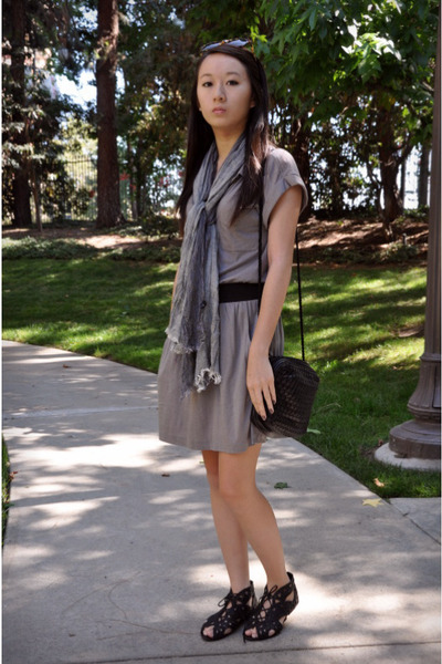 gray Theory dress - black vintage purse - black Joie shoes