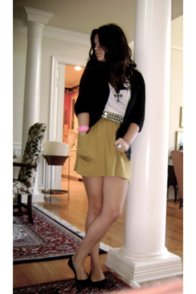 yellow American Apparel skirt - white H&M top - vintage necklace - vintage belt
