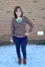 Aquamarine-luxe-craving-necklace-brown-minnetonka-boots-navy-levis-jeans