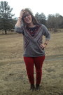Brown-thrifted-vintage-boots-ruby-red-old-navy-jeans