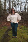 Navy-warby-parker-glasses-white-vintage-blouse-silver-jewelmint-necklace