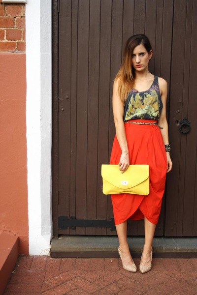 Temt skirt - Sportsgirl bag - vintage top