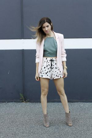 Dorothy Perkins blazer - Zara shorts