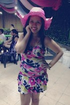 pink hat - pink flowers dress