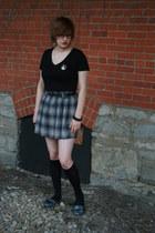 plaid Forever 21 skirt - v-neck Forever 21 shirt - bangles Claires bracelet