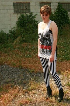 black striped leggings - black Hot Kiss boots - white the strokes shirt