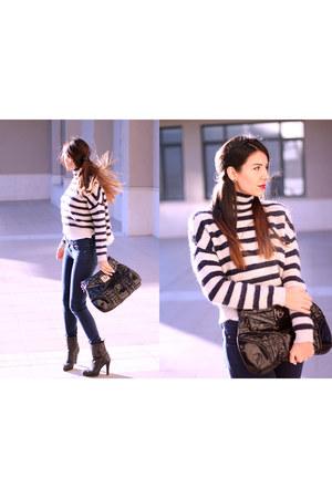 Levis boots - navy knitted Zara sweater - byblos bag - Victoria Beckham pants
