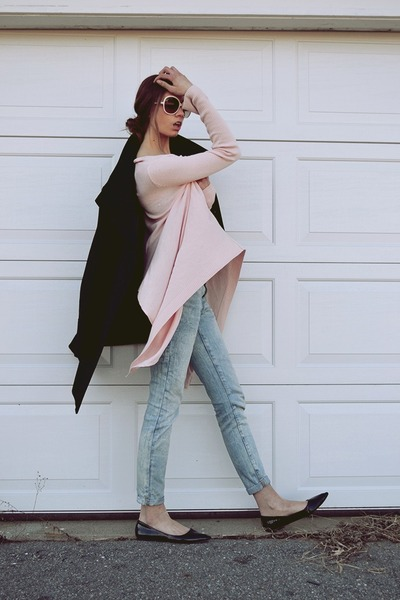 Guess coat - Zara jeans - Millau sweater - Chloe sunglasses - Kurt Geiger flats
