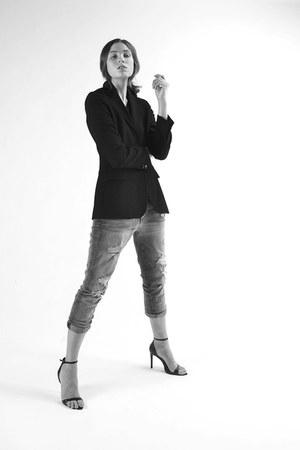 Joes Jeans jeans - Barneys blazer - Zara heels