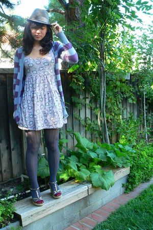 Forever 21 tights - Forever 21 hat - H&M dress - na cardigan - na shoes