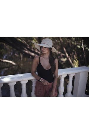 Oysho hat - asos bodysuit