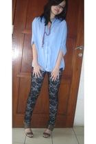 black leggings - gray shoes - blue blouse - purple necklace