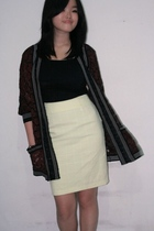 brown vintage cardigan - black top - yellow skirt