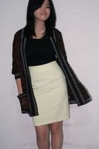 brown vintage cardigan - black top - yellow skirt