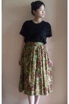 black top - skirt