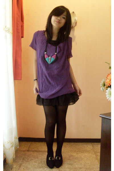 purple dress - black shoes - black stockings - Nefertiti necklace