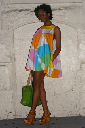 Marimekko dress - DKNY purse - Jessica Bennett shoes