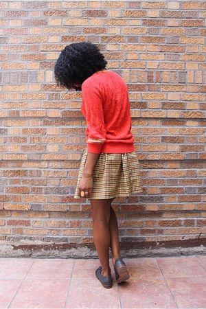 orange Le Tigre shirt - yellow skirt - blue cordwainer shoes