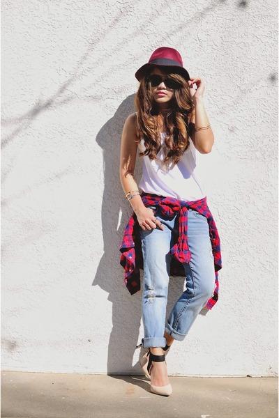 light blue boyfriend jeans Forever 21 jeans - maroon fedora Forever 21 hat