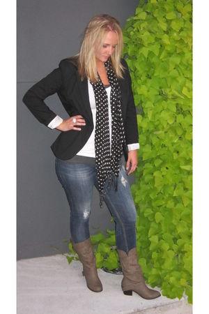 black blazer - gray boots - black scarf