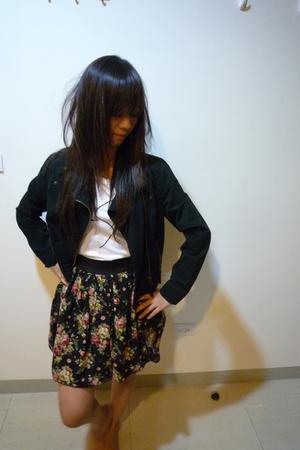 black motor jacket