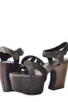 Matiko sandals