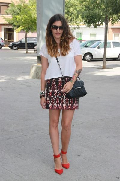 H&M Skirts, H&M Shirts, Mango Bags, Rayban Sunglasses, Zara Heels ...