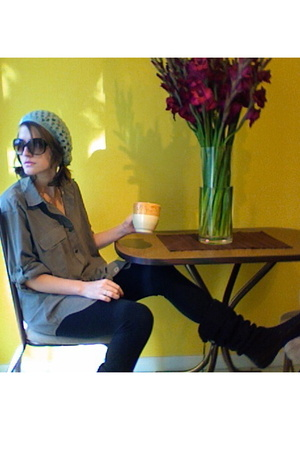 shirt - tights - shoes - hat - sunglasses