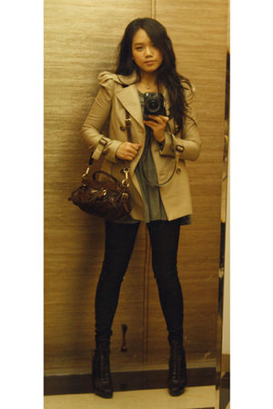 beige coat - gray t-shirt - black jeans - brown Prada purse - brown Prada boots