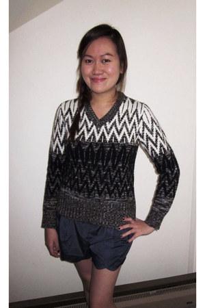 scallop shorts papaya shorts - vintage sweater