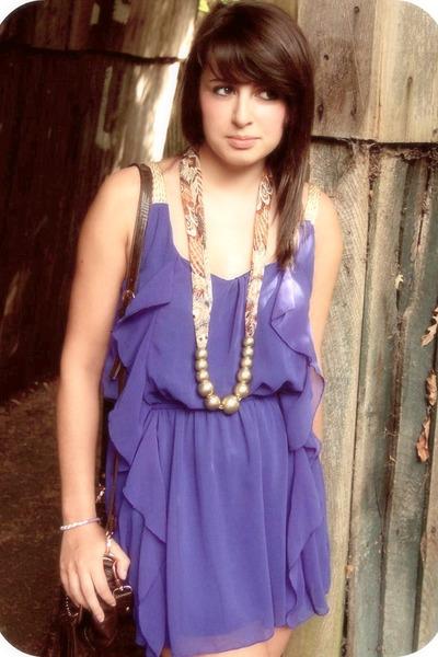 blue Love Struck dress - brown thrifted vintage bag