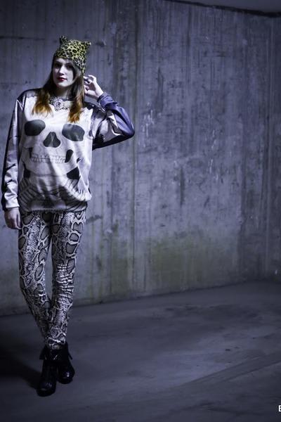 heather gray Army Gets Down blouse - tan Zara pants