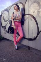 bubble gum Cubus pants - neutral vintage top - heather gray nike sneakers