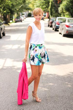 Forever 21 blazer - Zara shorts - Zara top - Michael Kors heels