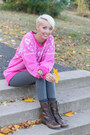 Brown-urban-outfitters-boots-victoria-secret-pink-leggings