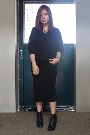 black H&M boots - black quilted sweater - black pencil skirt