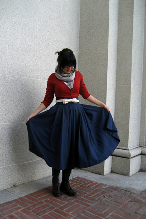 H&amp;M blouse - Primark belt - H&amp;M skirt - random street vendor at stratford upon a