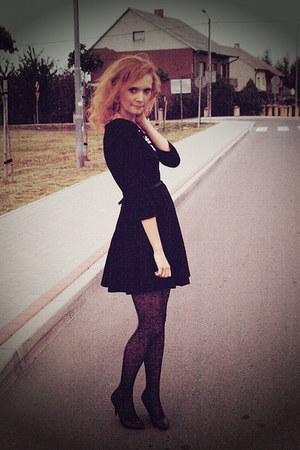black H&M dress - black Zara heels