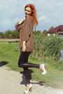 Mustard-zara-sweater-black-mango-leggings-white-bershka-heels