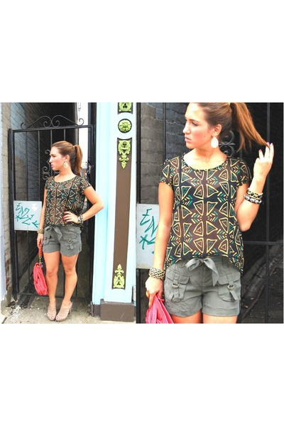 dark khaki freebird shirt - burnt orange knot clutch Urban Expressions bag