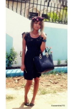 black UTD dress