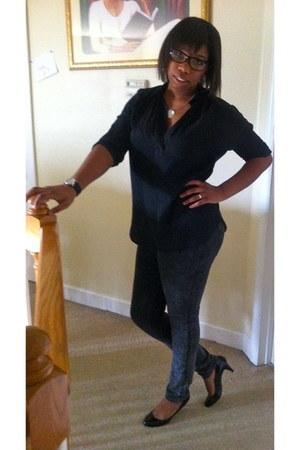silver Guess leggings - black Juicy Couture watch - black Steve Madden pumps - b